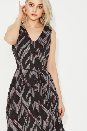 ZELLIA CURVED HEM MIDI DRESS