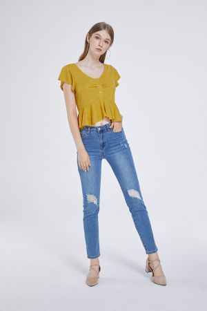 ADRIANA DETAILED TEE TOP