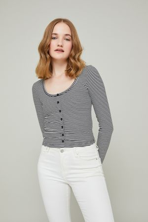 ERICA BUTTON DETAIL TOP