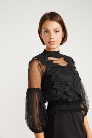 SCARLETT LACE TULLE TOP