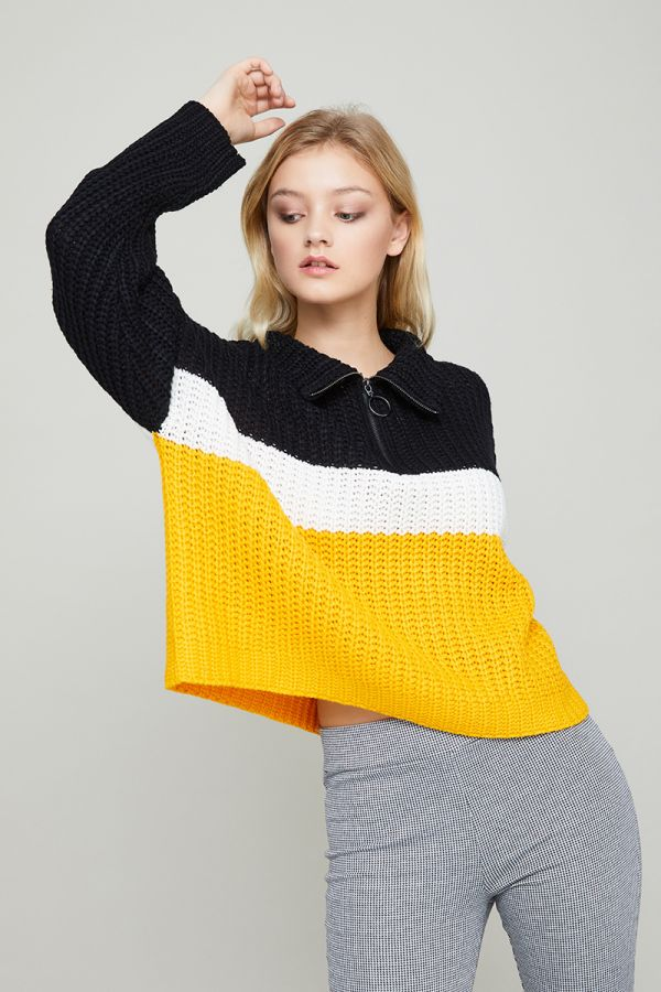AMBER ZIP NECK KNIT SWEATER