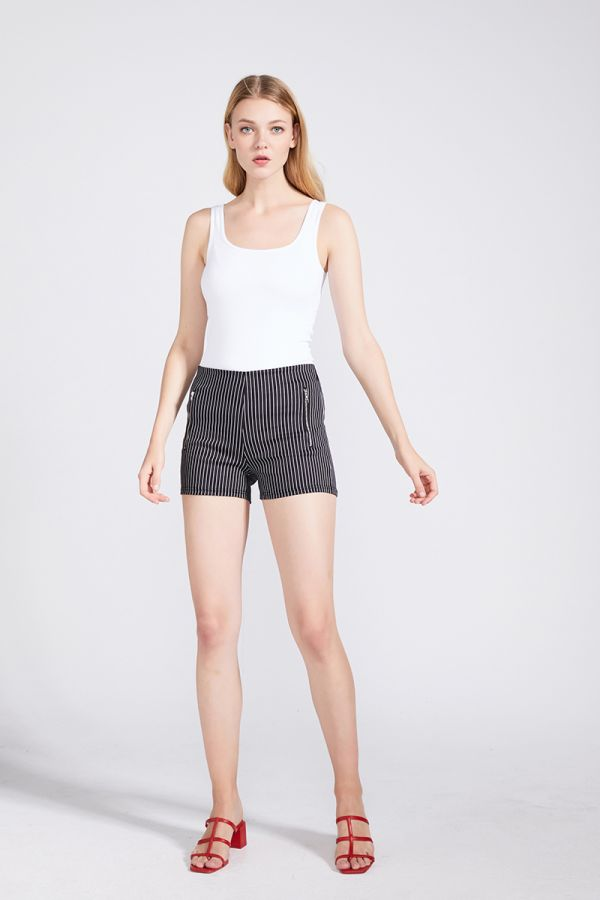 ZIP DETAIL HIGH WAIST SHORTS
