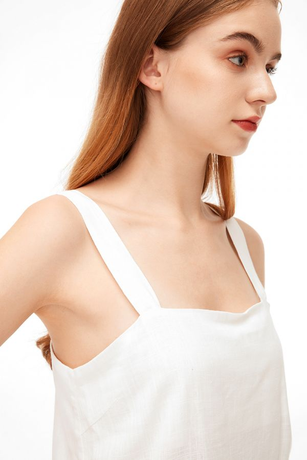 ELEANOR SQUARE NECK SLEEVELESS TOP