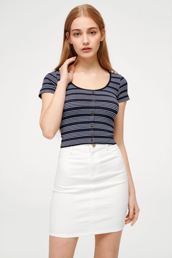 ALLURE SCOOP NECK CROP TOP  (324177)