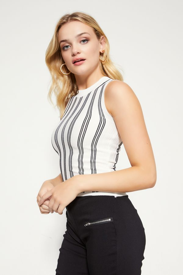 VERTICAL STRIPE KNIT TOP  (324838)