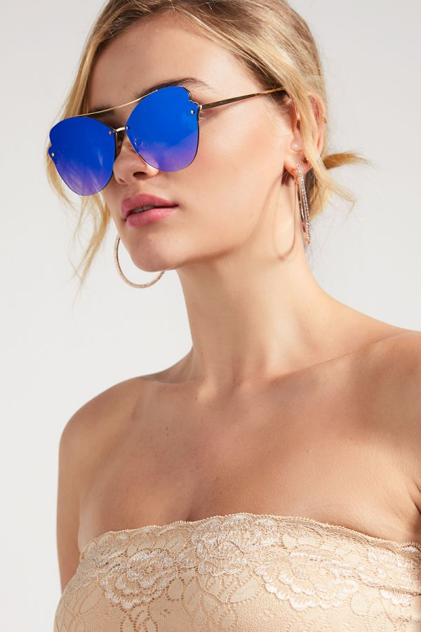 EDGY OVERSIZED SUNGLASSES (325340)