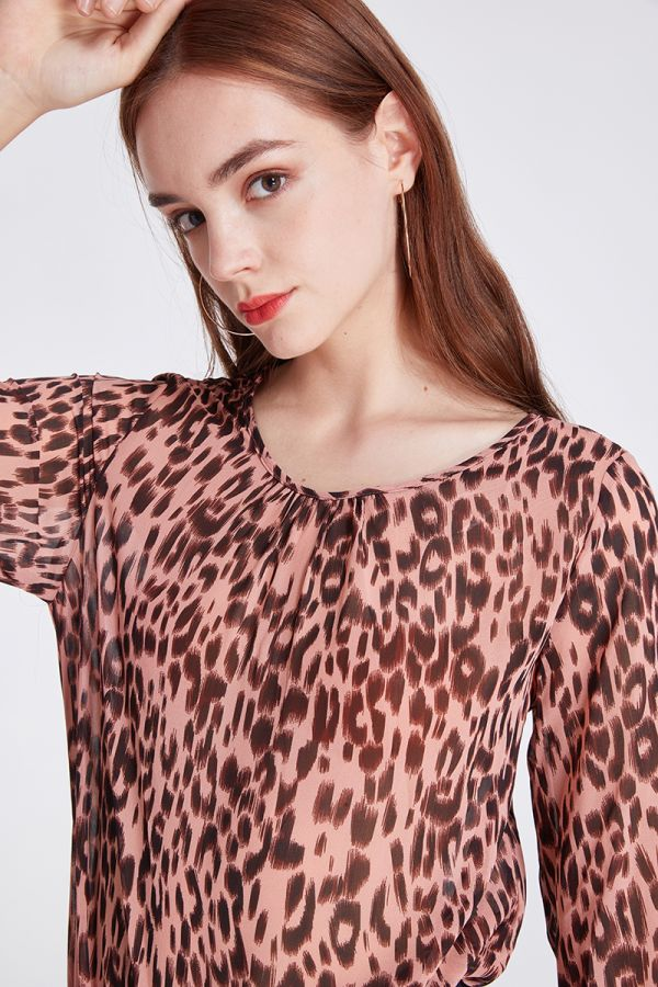 LONG SLEEVE SHIRRED CUFF BLOUSE