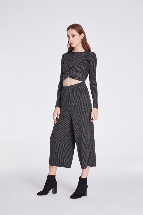 ONGSLEEVE KNIT TWIST CROP