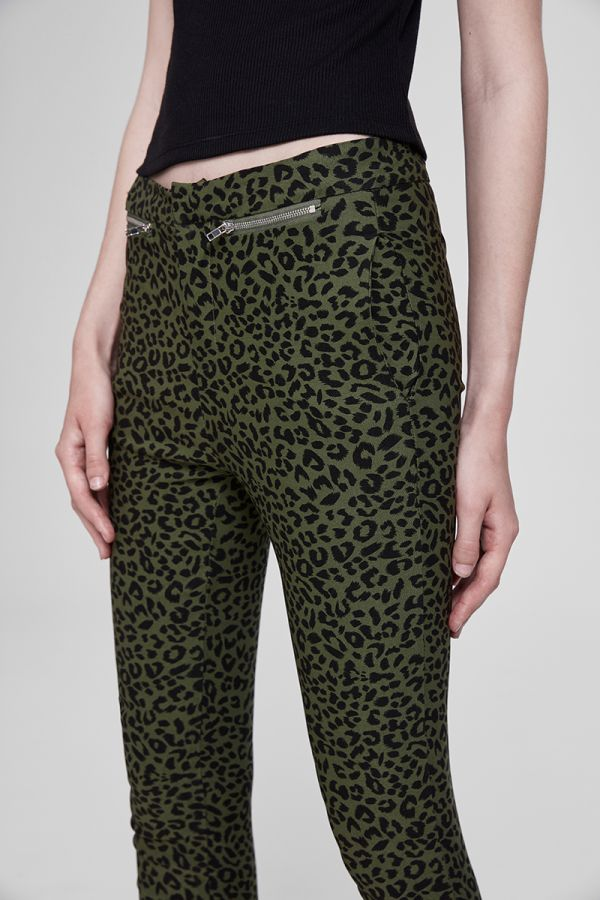 SLIM PATTERN ZIP POCKET PANT